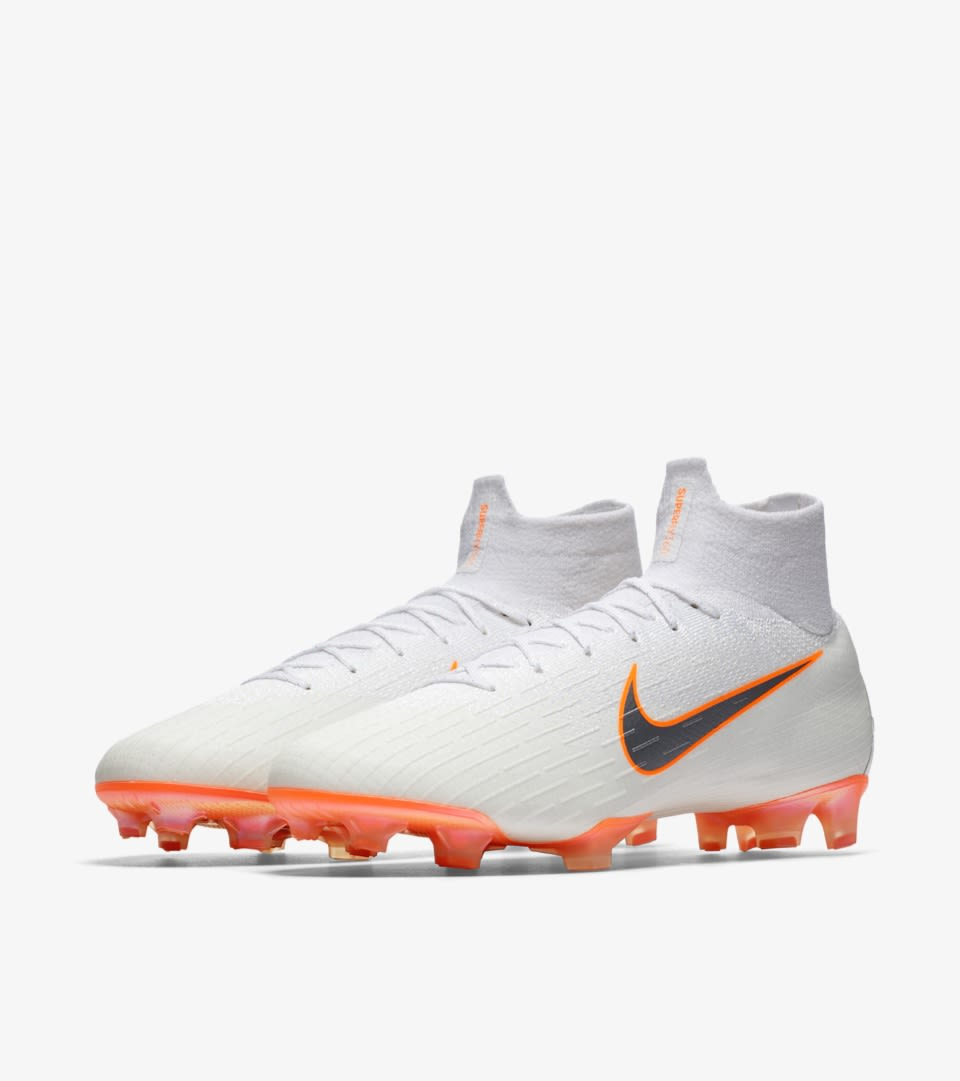 Why Don't Pros Wear These Nike Magista Obra 2 (Academy